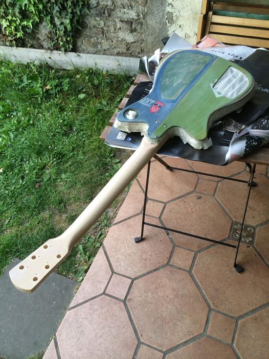 skateboard_guitar_lighter_14